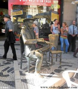 statue en bronze poète Fernando Pessoa - A BRASILEIRA DO CHIADO - Lisbonne