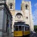Tramway et cathédrale de Sé - Lisbonne